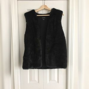 CLUB MONACO Black (Green Tint) Faux Fur Vest L